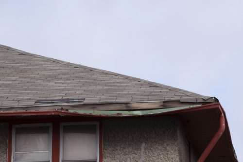 Can You Repair A Bent Gutter? [Here's how to do that in 7 steps]