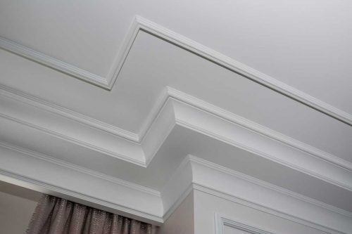 How to Cut Crown Molding? [4 Steps]