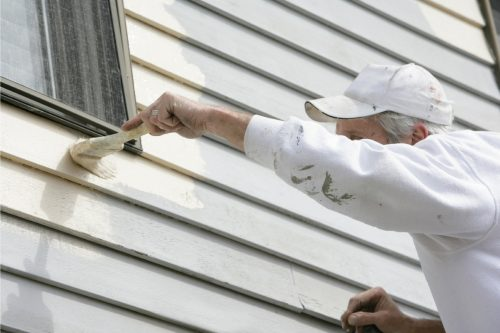 What's The Best Paint For Vinyl Siding? [Inc. Recommended Colors]