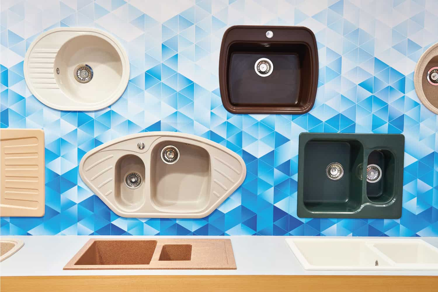 Kitchen sinks in store display