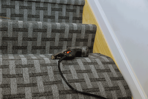 How To Install Carpet On Stairs Without A Kicker?