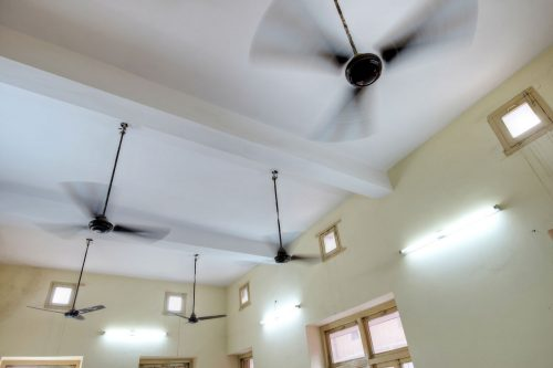 Read more about the article Are Ceiling Fans Supposed To Wobble? [And What To Do About It]