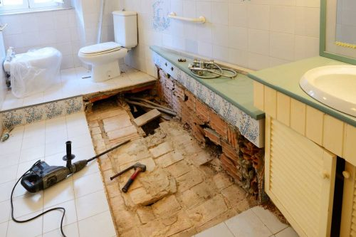 Read more about the article How To Replace A Rotted Bathroom Floor – 9 Steps To Follow