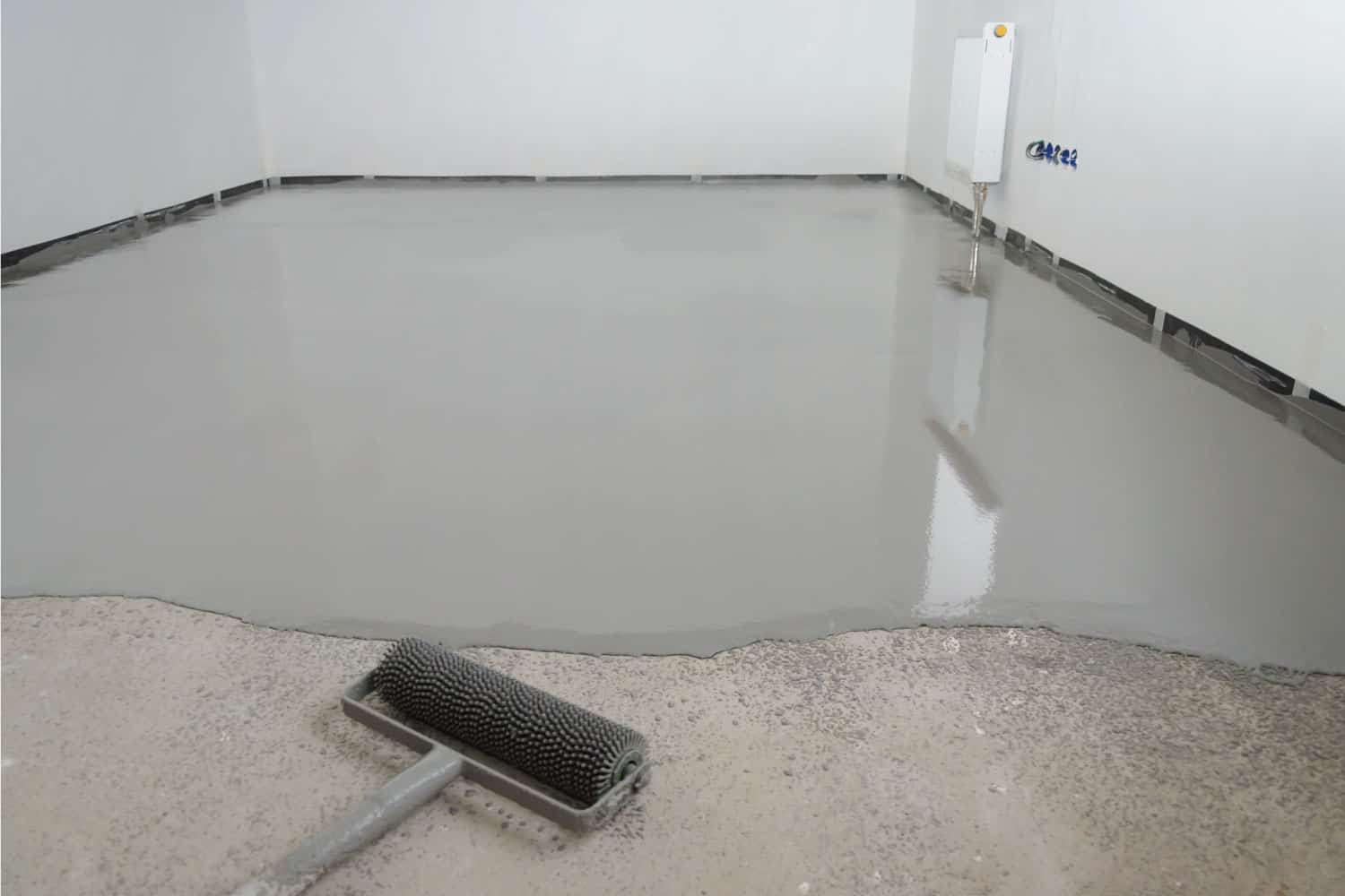 elf-leveling epoxy. Leveling with a mixture of cement floors