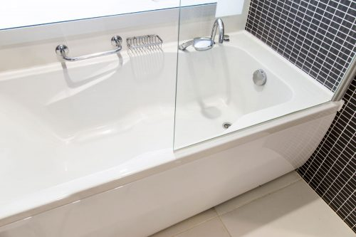 Read more about the article Can Bathtub Drain Pipes Freeze? [And How To Unfreeze Them]