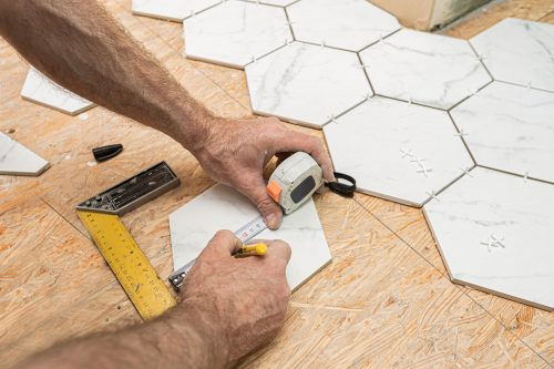 Read more about the article How To Grout Hexagon Floor Tile [4 Steps To Follow!]