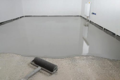 Read more about the article How To Level An Uneven Concrete Floor In 4 Steps