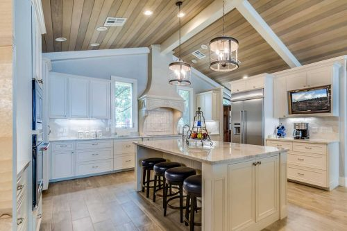 Read more about the article How To Install Crown Molding On A Sloped Ceiling