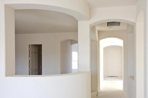 Read more about the article Does Drywall Bend Or Does It Break Easily?